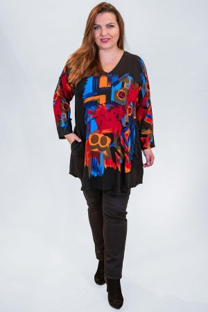The model in this photo is wearing a striking long v neck tunic by Angel Circle available in sizes 14-30 from Bakou in West Wimbledon