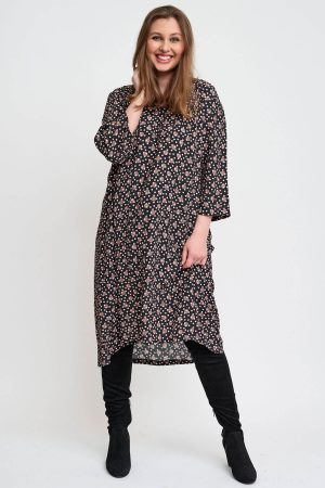 A gorgeous dress from Pont Neuf, the Alina is one to dress up or down