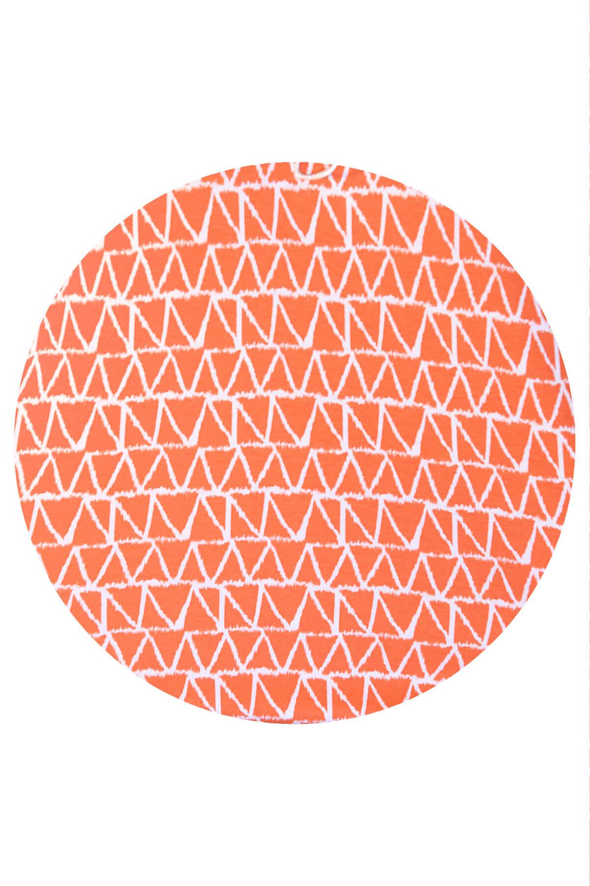 Q'neel triangle t-shirt